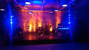 Bühnen und Bands